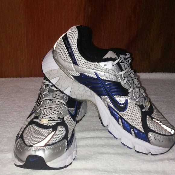 finest selection 4557d 052b0 Nike zoom strcture 11 Running Shoes.